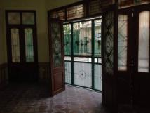 Cho thuê nhà ngõ 140 Giảng Võ, ôtô đỗ cửa, 75m2, 3 tầng, tiện văn phòng, 0932326975