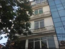 Cho thuê nhà 4 tầng mặt phố Quốc Tử Giám Dt75m2 giá 35tr/tháng