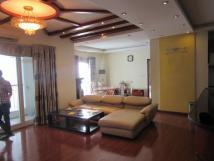 Cho thuê nhà mặt phố Lạc Long Quân, DT 72m2, MT = 4,6m, 5 tầng, giá thuê 30tr/tháng