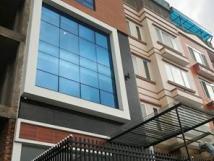 Cho thuê nhà 3A ngõ 445, Lạc Long Quân, Tây Hồ, 70m2 x 5 tầng có tháng máy, mới hoàn thiện