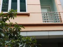 Cho thuê nhà mặt phố Phúc Diễn, 5 tầng x 75m2, vừa ở và kinh doanh showroom