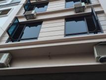 Cho thuê nhà Văn Cao, Ba Đình, DT 72m2, 8 tầng, thang máy, giá 50tr/th