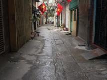 Cho thuê nhà nguyên căn ngõ 158 Nguyễn Khánh Toàn, DT 75m2 x 4 tầng + 1 tum