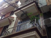 Cho thuê nhà 4 tầng, ngõ 112, Ngọc Khánh, ngõ 3m, xe 3 gác đi vô tư