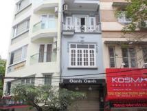 Cho thuê nhà mặt phố Hòa Mã, vị trí vàng, DT 123 m2