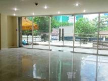 Cho thuê cửa hàng 3 tầng x 50m2, đường Nguyễn Khánh Toàn, MT 3.6 m vỉa hè rộng