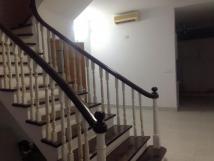 Cho thuê nhà riêng 4 tầng, 68m2, ngõ 613 Thái Thịnh, ngõ 3 gác