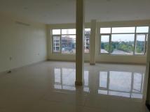 Gấp cho thuê mặt bằng tầng 1,2,3 trên trục chính đường Cổ Linh - Long Biên - HN , 0969160295