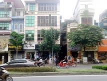 Cho thuê nhà mặt phố Kim Mã, DT 50m2 x 3 tầng, mt 5,2m, giá 60 triệu/tháng