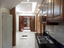 Cho thuê nhà 2 tầng 4 phòng ngủ đẹp ở Ba Đình