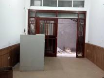 Cho thuê nhà riêng mặt ngõ Đường Láng - Láng Hạ