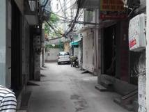 Cho thuê nhà riêng phố Cự Lộc, DT 40m2 x 3 tầng, gía 10 tr/th