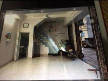 Cho thuê cửa hàng, phòng ở ngõ 288 Kim Giang, 2 mặt tiền 4m X 6m, ngõ ô tô 30 chỗ qua, đông đúc.