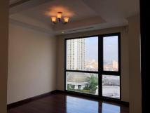 Chung cư Royal City cần cho thuê căn hộ tòa R1, căn 05, 109.5m2, 2ngủ, đồ cơ bản, 17triệu. Liên hệ:0913719066