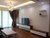 Cho thuê căn hộ chung cư 15-17 Ngọc Khánh, view 2 hồ rất đẹp