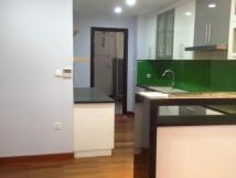 Cho thuê căn hộ chung cư Golden Land, 3 phòng ngủ, đủ đồ