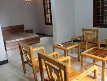 Cho thuê biệt thự tại Hồ Tây - Đặng Thai Mai có gara, sân vườn.- Diện tích 100m2, 3 tầng