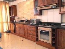 Cho thuê chỉ 70 tr/th, nhà mặt phố Lê Duẩn, DT 70m2, 6.5 tầng, nhà cực đẹp- LH: 0963255927