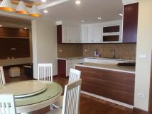 Tôi Cần cho thuê căn hộ tại D2 Giảng Võ, diện tích 90m2, 2PN, full đồ đẹp giá 15tr/tháng