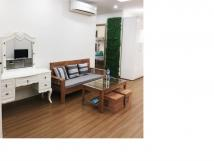 Cho thuê căn hộ tập thể mới 100 % ở 135 Núi Trúc 50 m2, chia 2 PN