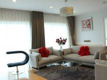 Cho thuê căn hộ chung cư 172 Ngọc Khánh 3 PN, đủ nội thất sang trọng, giá 15 tr/th