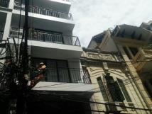 Cho thuê văn phòng tại tòa nhà 9 tầng phố Bà Triệu, DT 40 - 55m2, đầy đủ tiện nghi