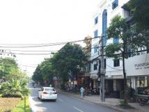 Cho thuê mặt bằng đường Lạc Long Quân đoạn gần quận ủy Tây Hồ mặt tiền rộng 10m tiện làm ngân hàng