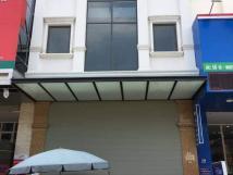 Cho thuê mặt phố đẹp nhất Tông Đản, giá rẻ, DT 220m2*5T, MT 8m, 400tr/th
