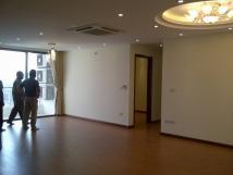 Chính chủ cho thuê CHCC Goldmark City, 136 Hồ Tùng Mậu, 110m2, 3PN sáng, đồ cơ bản, giá 12tr/th