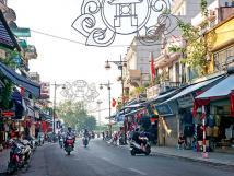Cho thuê nhà mặt phố Gia Ngư, quận Hoàn Kiếm. DT 80m2, 3,5 tầng, MT 4m, giá 80 triệu/tháng