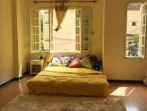 Cho thuê nhà 4 tầng ngõ 11 Tô Ngọc Vân, Tây Hồ, 3PN có đồ thích hợp ở hộ gia đình người nước ngoài