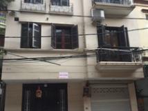 Cho thuê nhà mặt phố Nguyễn Khắc Hiếu, Ba Đình, nhà 5 tầng đẹp, full nội thất ô tô đỗ cửa