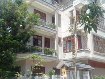 Cho thuê gấp biệt thự Làng Việt Kiều Châu Âu, 149m2 x 3 tầng, MT 12m, giá 35tr/th, LH: 0962486598