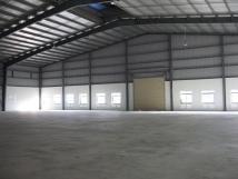 Cho thuê xưởng làm gara oto mặt phố Nam Từ Liêm, MT 40m, DT 800m2, giá chỉ 72tr. LH 0986507628