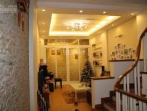 Cho thuê nhà đường Võ Chí Công 42m*5 Tầng mặt tiền 6,6m ô tô đỗ cửa tiện KD, VP 16tr/th 0988296228