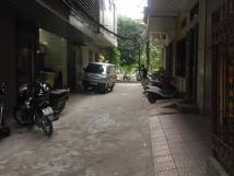 Cho thuê nhà riêng 50m2, 5 tầng, phố Phương Mai, ô tô đỗ cửa thỏa mái