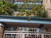 Bán nhà mặt hồ Ngọc Lâm lô góc gara oto 70m2 5 tầng  6.2 tỷ có thể kinh doanh nhỏ.