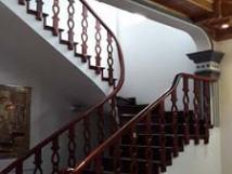 Cho thuê nhà riêng ngõ 464 Âu Cơ Tây Hồ nhà gần đôc Âu Cơ nhà đẹp roingj rãi thuận tiện làm vp ở GĐ