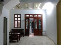 Cho thuê nhà riêng mặt bằng rộng tại khu vực phố Thái Thịnh.
