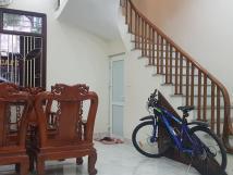 Bán nhà riêng phố Nguyễn Văn Cừ, Long Biên oto tránh, sát phố 41m2 x 5 tầng sang trọng