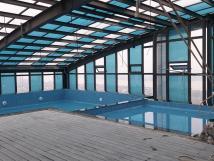 Bán căn hộ 2PN 2.1 tỷ, mặt đường lớn, chung cư cao cấp với Sky Bar và bể bơi trên mái