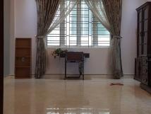 Cho thuê nhà tại ngõ 18 Huỳnh Thúc Kháng, 50m2x5T, thông toàn bộ, đông dân cư, giá 25 tr/th.