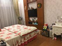 Cho thuê nhà phân lô ngõ phố Đỗ Quang làm văn phòng ,44m2* 5 tầng,Giá thuê: 18 tr/tháng. LH: 0356199606