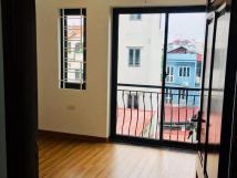 Cho thuê nhà riêng 5 tầng Bồ Đề, Long Biên. 90m2. 18tr/th