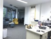 Cho thuê văn phòng 40-80m2 phố Lý Nam Đế. Giá 12,5tr/tháng.