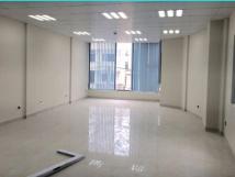 Cho thuê văn phòng mặt phố Lý Nam Đế, DT 40-80m2, giá chỉ 12.5tr/tháng.