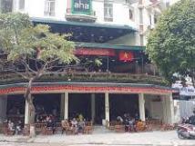 Cho thuê nhầ làm café mặt phố Hàn Thuyên: Mặt tiền 8m, 25 triệu/tháng.