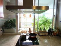 Cho thuê chung cư 671 Hoàng Hoa Thám, Ba Đình căn góc 180m2, 3PN, full đồ, 09812 61526