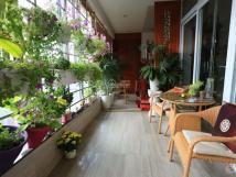 Cho thuê chung cư 671 Hoàng Hoa Thám, Ba Đình căn góc 180m2, 3PN, full đồ, 0981261526