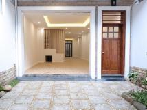 Cho thuê nhà liền kề 105m2 x 5 tầng có thang máy, 67A Trương Định ngay ngã 4 Bạch Mai